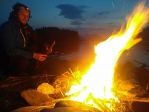 broadford-backpackers-hostel-cheap-fun-isle-of-skye-scotland bonfire