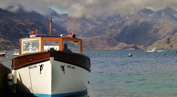 misty isle boat  trip elgol isle of skye whisky broadford backpackers hostel