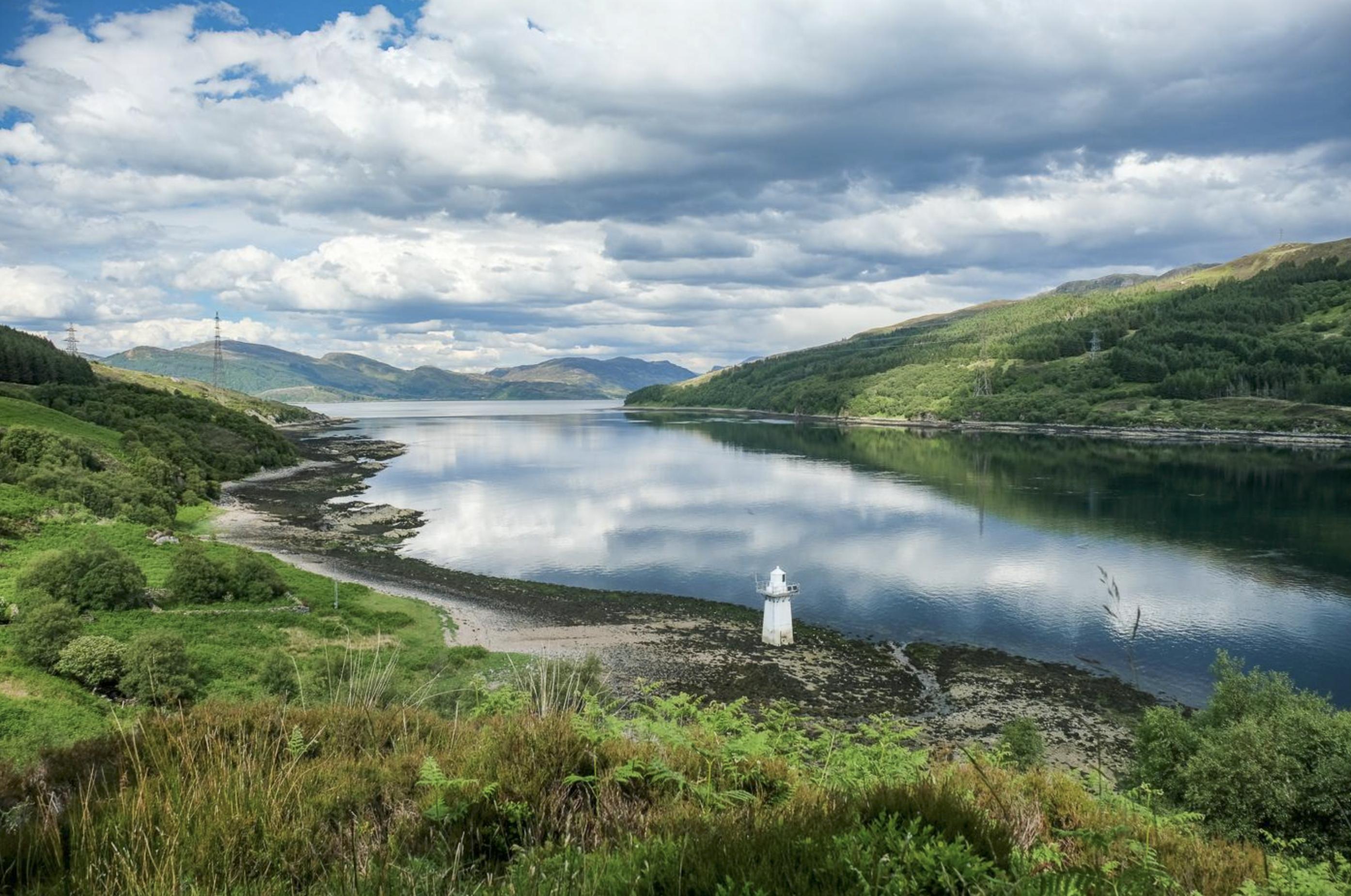 kylerhea otter isle of skye whisky broadford backpackers hostel